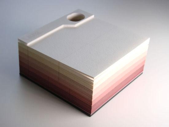 【画像】使い切ると美しい作品が完成する「OMOSHIROI BLOCK」というメモ帳が話題にwwwwww