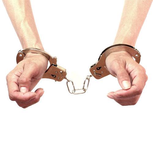 【悲報】いかがわしいマッサージをした容疑で金玉蘭容疑者と田中翔容疑者を逮捕