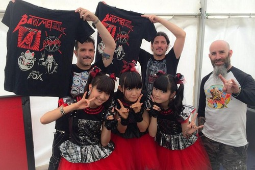 babymetal-and-anthrax-at-sonisphere-twitpic