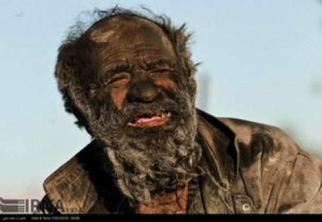 s_Amoo-Hadji-no-bath-for-60-years-4-min