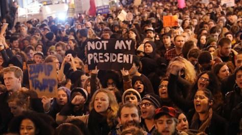 トランプ米大統領、給料は1ドルたりとも受け取らなに関連した画像-05