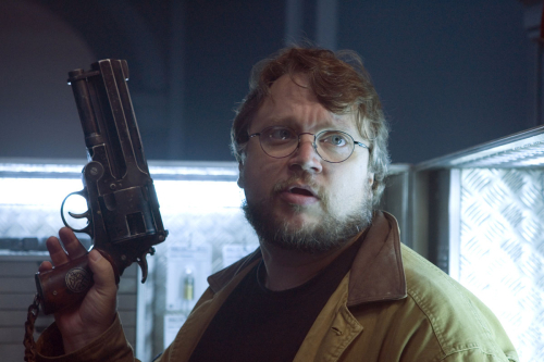 guillermo-del-toro-on-the-set-of-hellboy-2