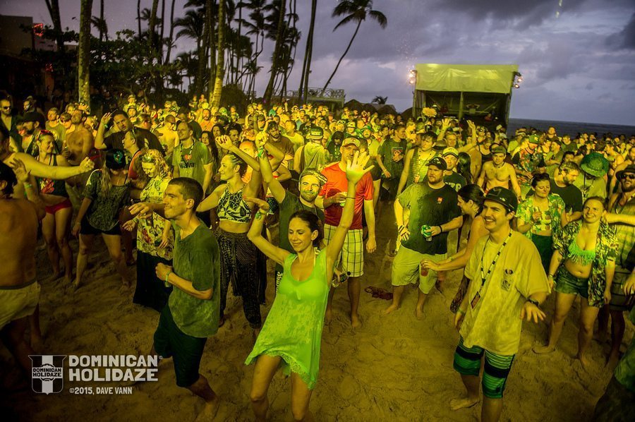 12-04-15_DPV_1961_Dominican_Holidaze_Disco_Biscuits_by_Dave_Vann