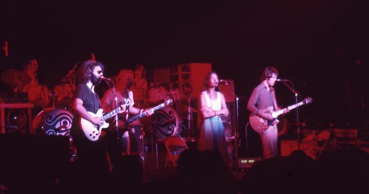 "Grateful Dead Debuts ""Ship Of Fools"", ""U.S. Blues"", ""Roses"", On This Day In 1974 [Listen]"