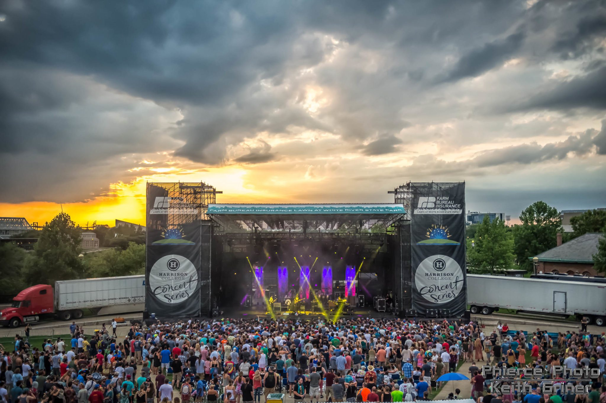 Umphreys Mcgee And Pigeons Light Up The Lawn At White River
