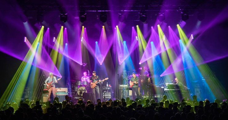 Umphrey's McGee Announces The New Deal, Billy Strings, More As Support For Hindsight 20/20 Tour