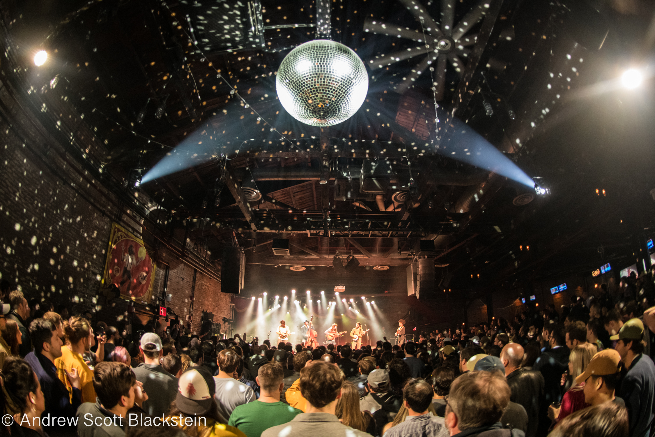 """Billy Strings Welcomes Brandon """"Taz"""" Niederauer For Widespread Panic Cover & More At Brooklyn Bowl [Photos/Full Video]"""