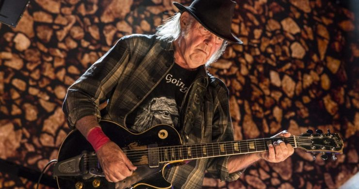 Neil Young Turned Down Millions For 'Harvest' Album Tour