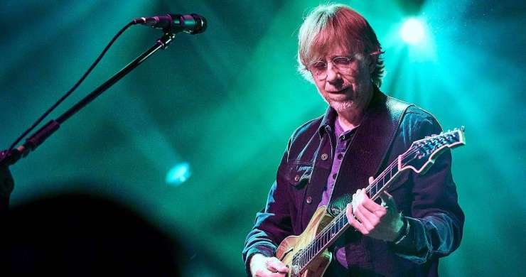Trey Anastasio, Phish, Trey Anastasio Shaking Someone's Outstretched Hand, Trey Anastasio quarantine, Trey quarantine