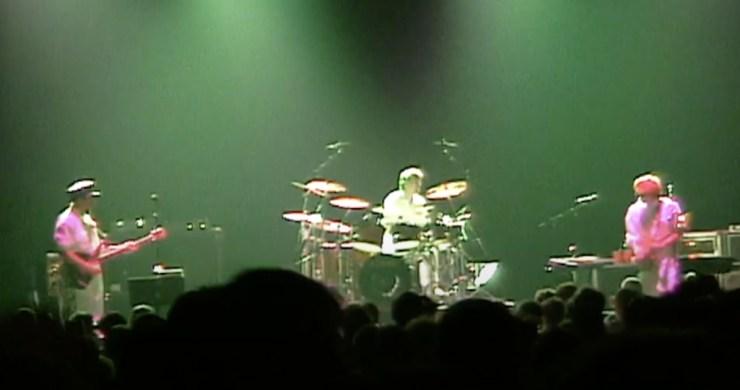 oysterhead, oysterhead 5/4/00, oysterhead debut show, oysterhead first-ever show, oysterhead first show, oysterhead jazzfest 2000, oysterhead reunion, oysterhead video