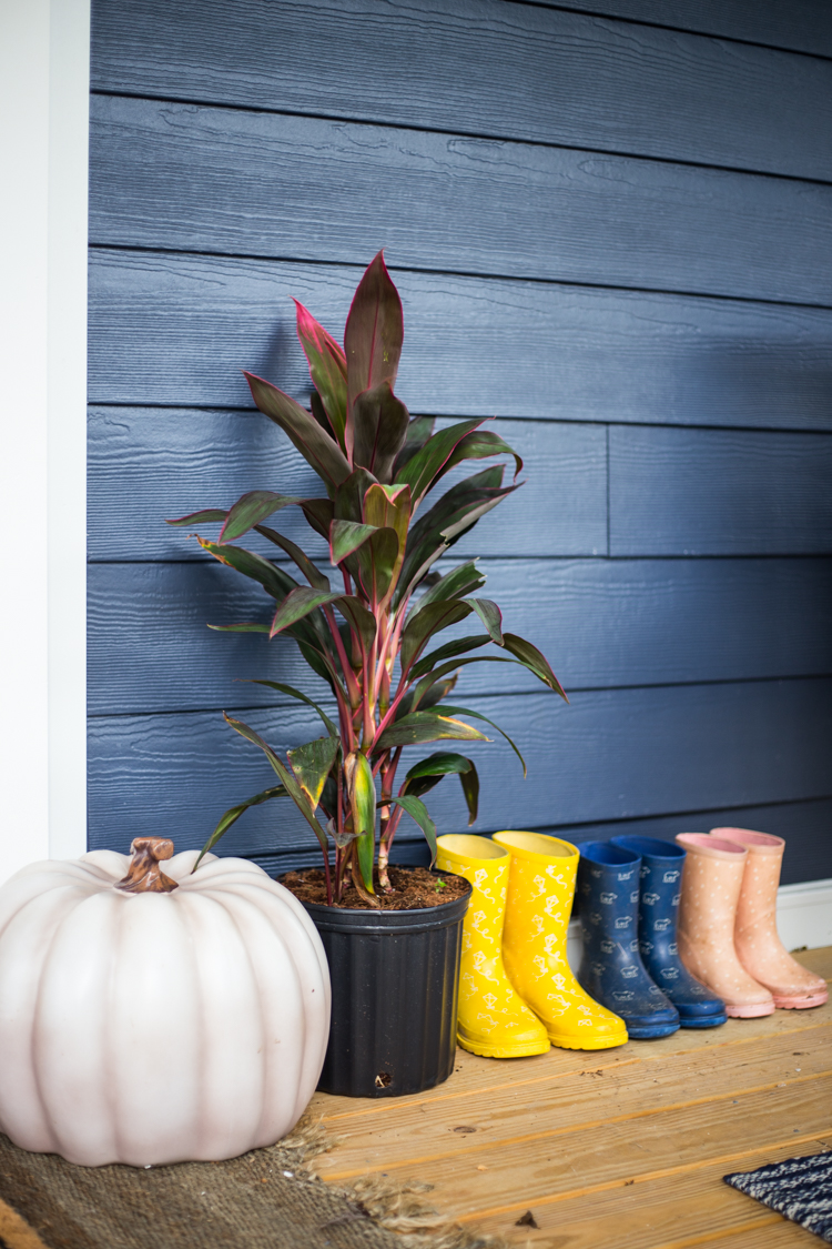 front porch fall decor 10
