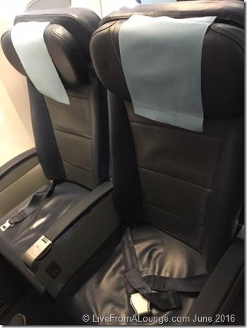 9W 737 Bulkhead seats