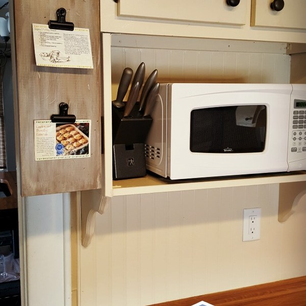 DIY Recipe Holder with Hinges