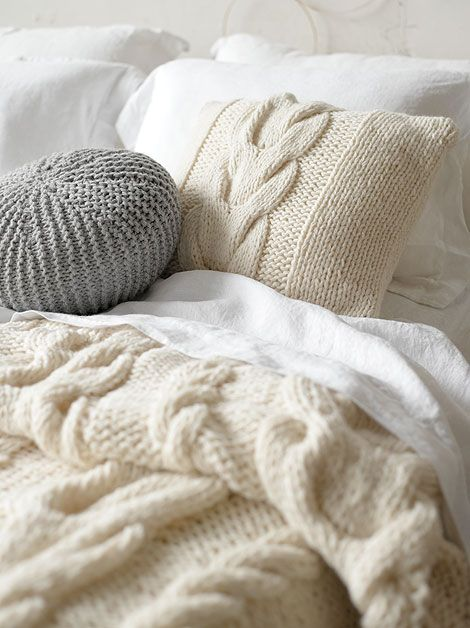 Cable knit throw and pillow