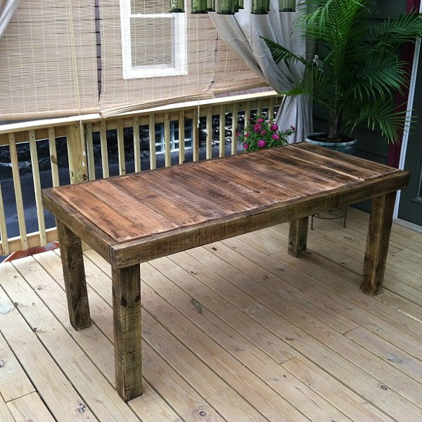 DIY pallet table with stain