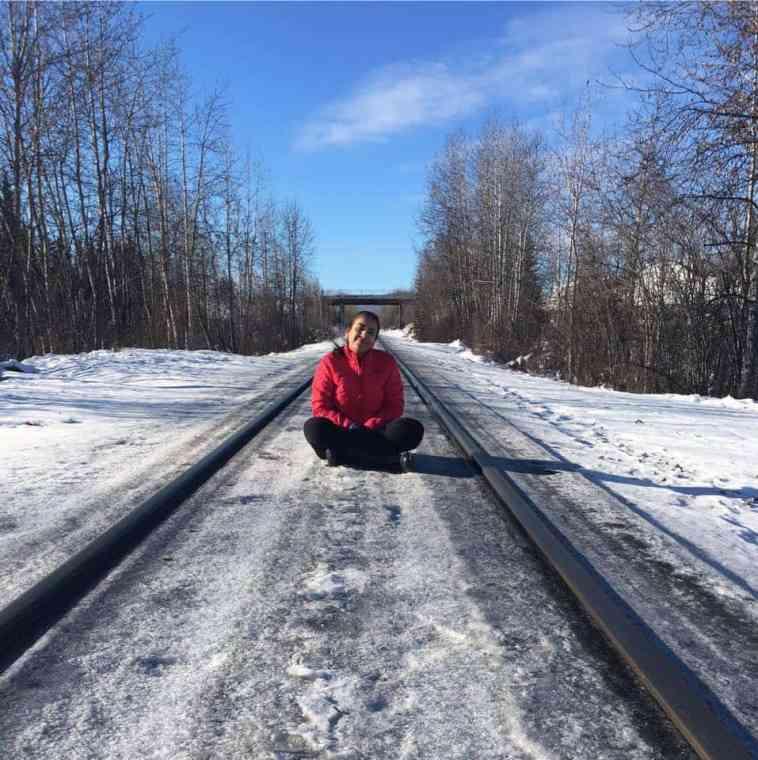 how to emigrate to Alaska snow cold tourism
