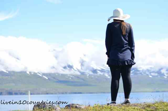 iceland-scenery-how-can-i-afford-to-travel-livein10countries
