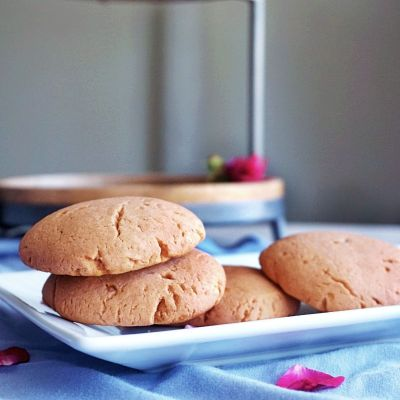 Rose & Cardamom cookies on a tray