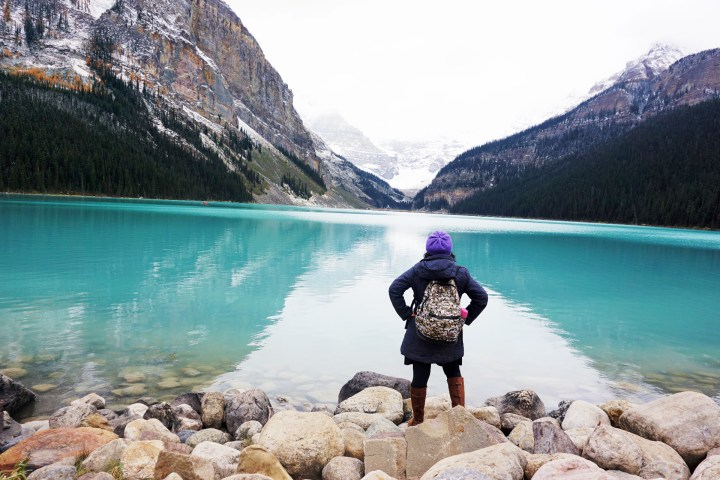 lake louise turquoise waters