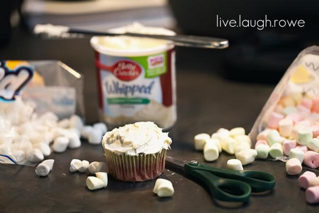 Easy Popcorn Cupcakes