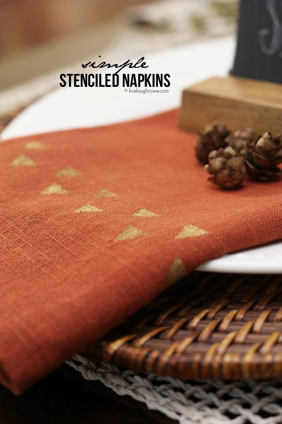 Simple Stenciled Napkins with ScotchBlue Painters Tape. Add your personal style to napkins for your holiday entertaining. www.livelaughrowe.com #fallnapkins #stencilednapkins
