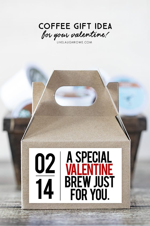 Fabulous coffee gift idea! Give the gift of coffee (or tea) with a mini gable box and this darling printable. livelaughrowe.com