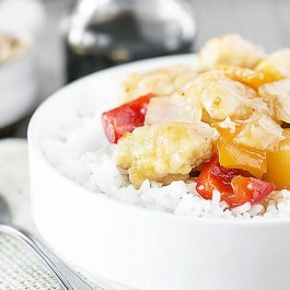 Skip the takeout and whip up this easy Pineapple Sweet and Sour Chicken! Serve with rice and dinner is served. livelaughrowe.com