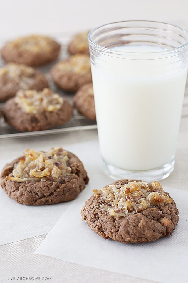 Looking for some delicious cookies? Look no further! These German Chocolate Thumbprint Cookies are the best! livelaughrowe.com