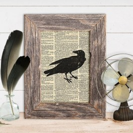 Add a simple halloween statement to your fall decor with this vintage inspired halloween crow wall art. Free is always good! livelaughrowe.com
