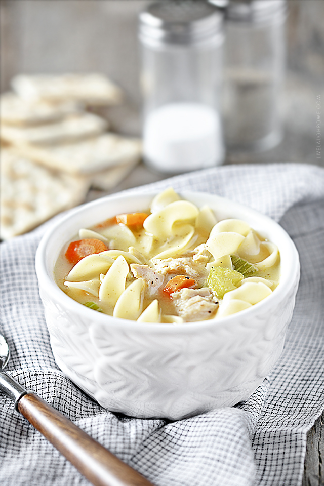 Hearty Bowl of Crockpot Chicken Noodle Soup