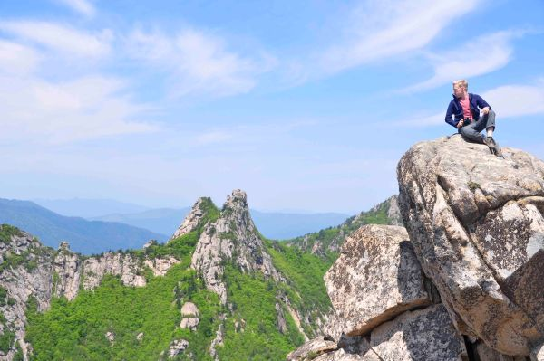 A new hiking buddy, Eric, enjoying the stunning views along Dinosaur Ridge, Seoraksan National Park
