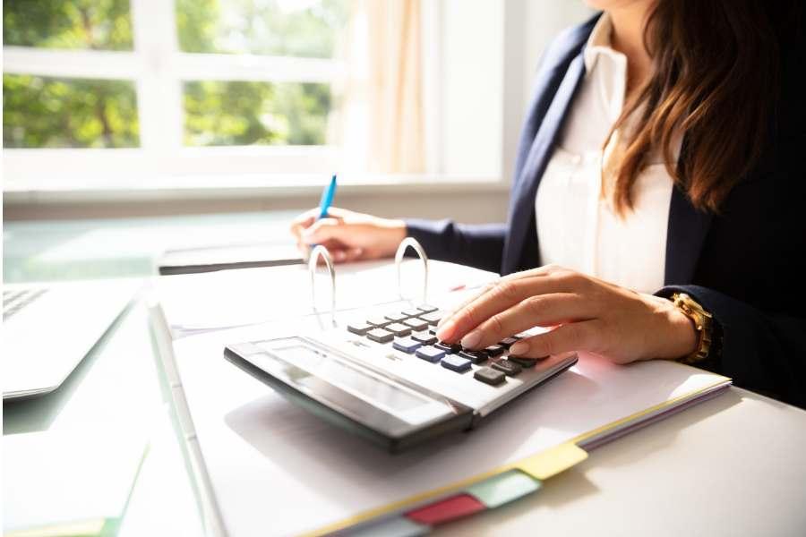 AMAZINGLY SIMPLE WAYS TO START SAVING MONEY TODAY