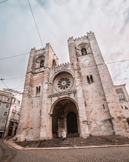 Lisbon Cathedral. Find a map to the best places in Lisbon for Instagrammable photos and when to go to get them to yourself!