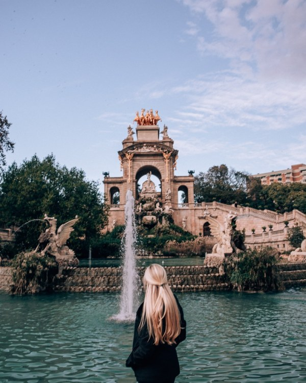 Parc de la Ciutadella in Barcelona has a beautiful fountain and makes for a beautiful photo spot. See the perfect itinerary for 3 days in Barcelona here!