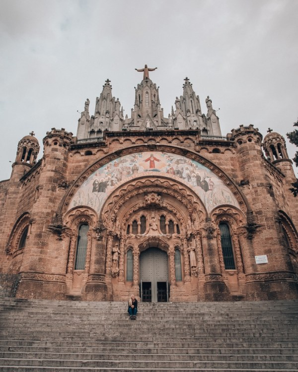 The crype of the Tempt of the Sacred Heart of Jesus on Mount Tibidabo in Barcelona. Get a full 3 day Barcelona itinerary and travel guide here!