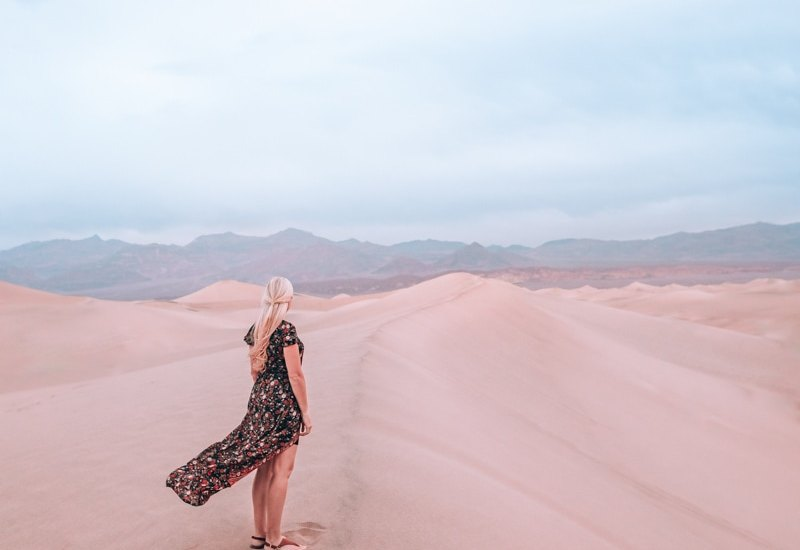 Mesquite Sand Dunes at sunrise is the perfect hike to start the day. Find a full one day itinerary for Death Valley including where to stay, what to see and do, and when to visit.