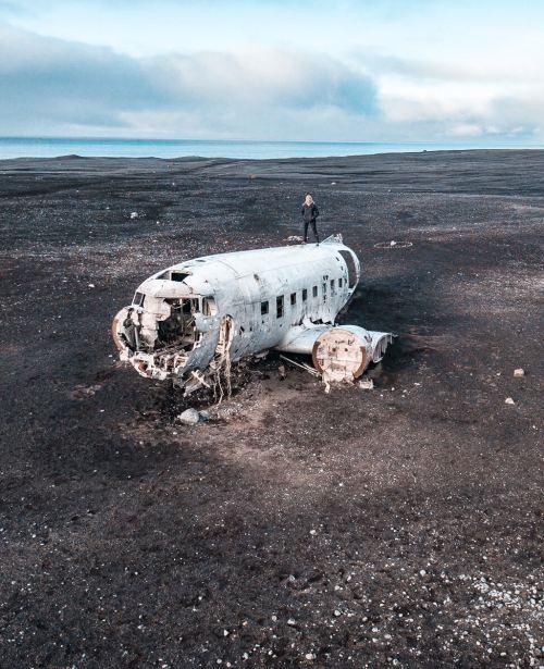 一个在阿拉斯加的一个女人的飞机上,被枪杀了,