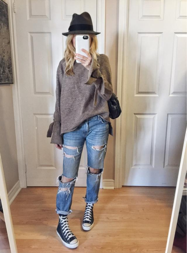 Oversized sweater, boyfriend jeans, converse, and fedora