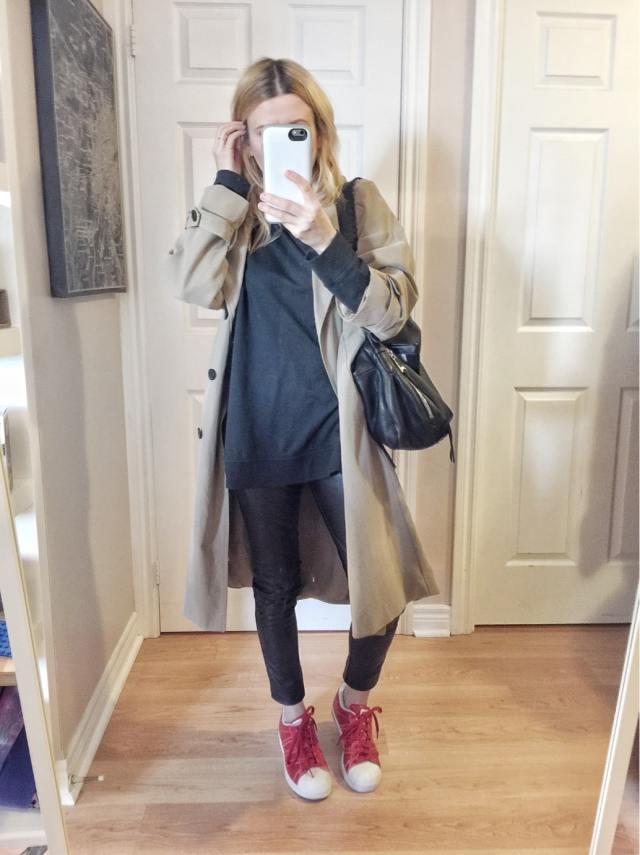 Sweatshirt | Faux Leather leggings | Trench Coat Mac | Red Adidas |