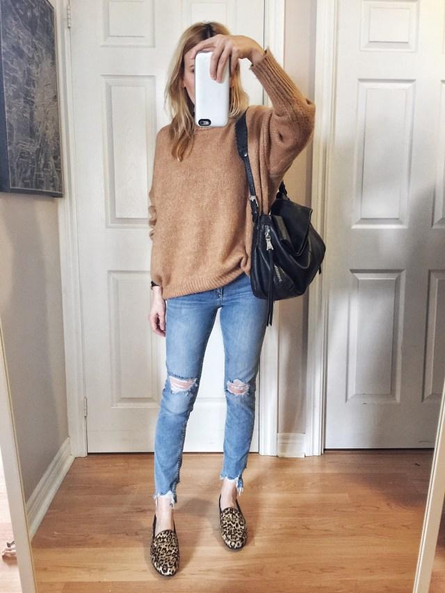 Oversized camel sweater | Highwaist skinnies | Sam Edelman moraine Loafer |