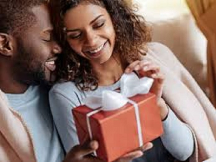 Writer Explains Why Men Don't Like Receiving Gifts From Women In Relationships