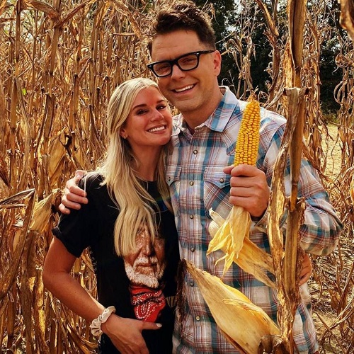 American Idol 's Bobby Bones Is Engaged to Girlfriend Caitlin Parker