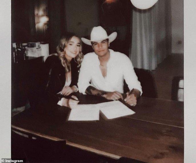 American Idol alumni Kat Luna and Alex Garrido tie the knot in Tennessee