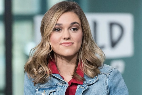 Sadie Robertson Says 'Pain Is Real' 1 Week After Giving Birth: 'Still in the Healing Process'