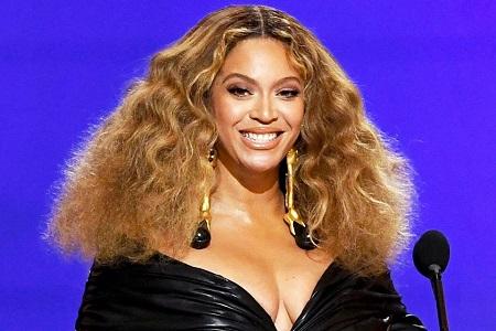 Beyoncé Turns 40! Tina Lawson, Jill Biden, Oprah, Taylor Swift, and More Celebrate Her Birthday(Videos)