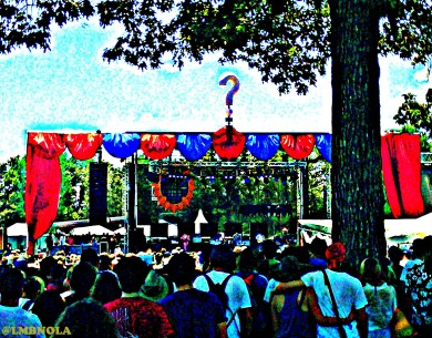 Crowd at Which Stage for The Kooks @ Bonnaroo 2012 || Photo by Stephen Lovett
