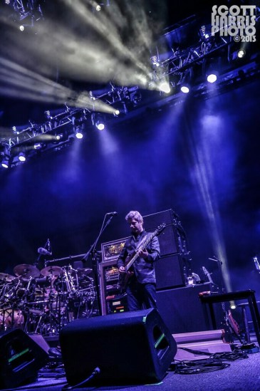 Scott_Harris_Phish_2013.10.31_1024px_03