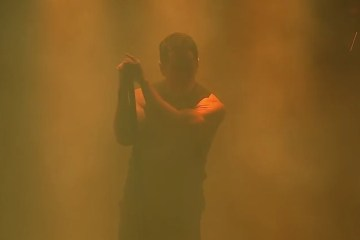 ▶ VEVO Presents  Nine Inch Nails Tension 2013   YouTube
