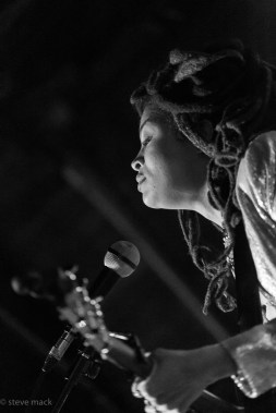 valerie-june-the-ar-music-bar-columbus-oh-2-13-17-21
