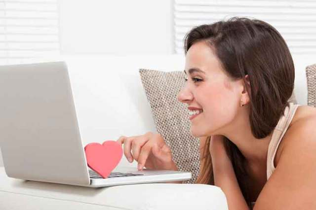 Problems in a Long Distance Relationship - Stay in Touch